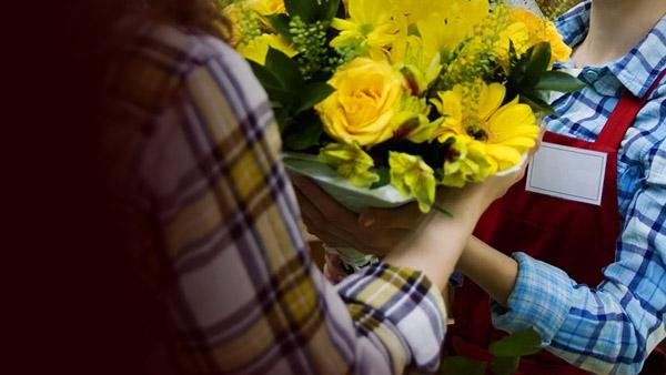 Kinh nghiệm kinh doanh tiếp cận khách hàng - mở shop hoa tươi