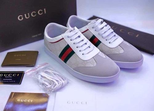 Cách livestream bán giày nam Gucci