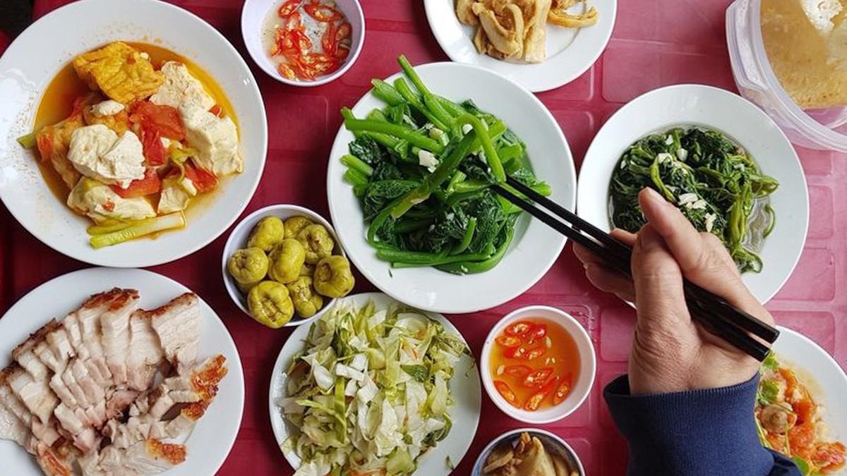 4 quán cơm bình dân ngon như cơm nhà, đắt nhưng cực hút khách ở Hà Nội