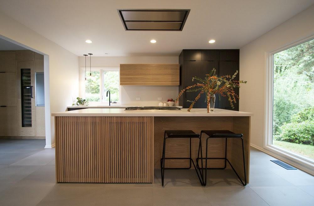 Bàn đảo bếp mặt đá đẹp sang trọng trong không gian bếp